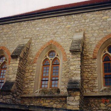 Au am Leithagebierge Kirchenfenster