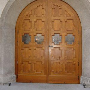 Rekonstruiertes Kirchentor Pfarre Zwischenbruecken