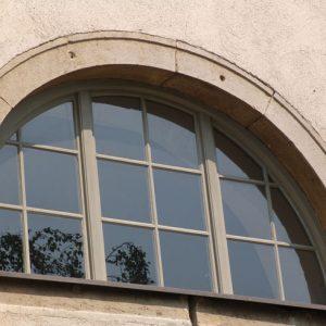 Rundbogenfenster Außenansicht