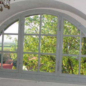 Rundbogenfenster innen