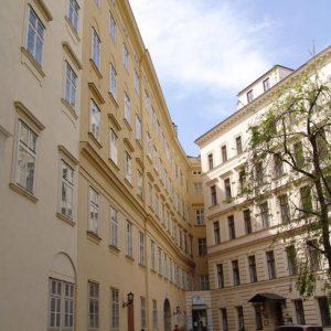 Kastenfenster-Fassade