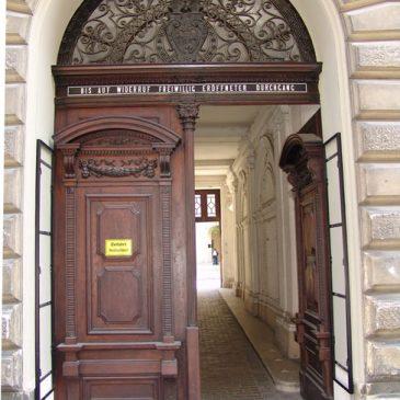 Historisches Eingangstor saniert