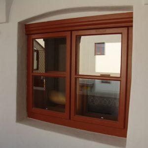 Kastenfenster nach innenaufgehend