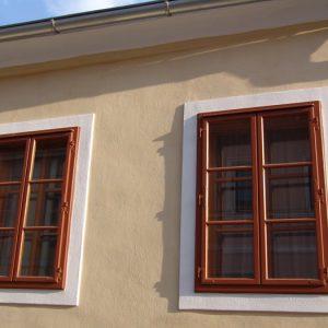 Kastenfenster mit Stützkegel-Bänder