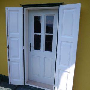 Kastenfenster-Tür