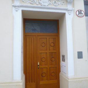 Eingangstür in Eiche