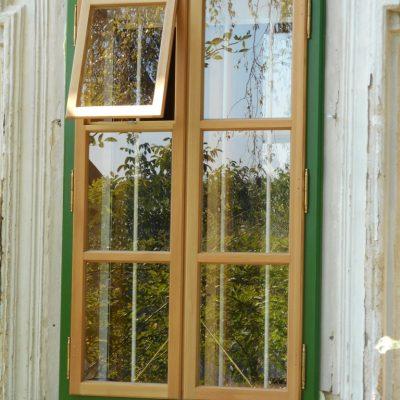 Kastenfenster mit Lüfungsflügel