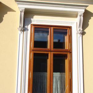 Kastenfenster in Lärchenholz