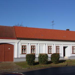 Kastenfenser, Tor, Eingangstür