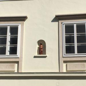 Kastenfenster beschützt